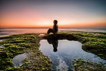 Menikmati Sunset di Blue Point